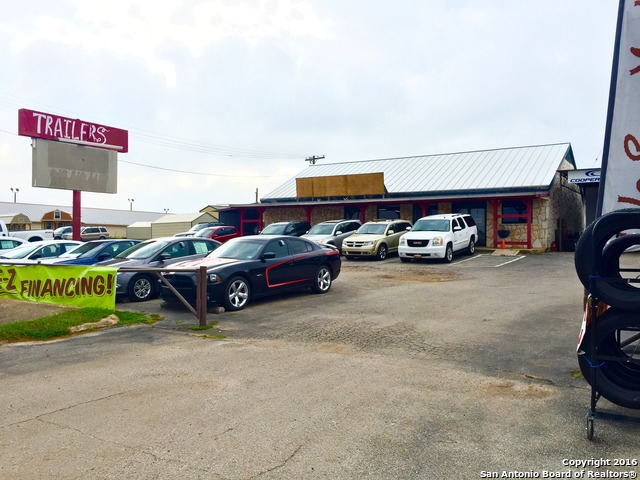 1752-e-state-highway-97-jourdanton-tx-78026