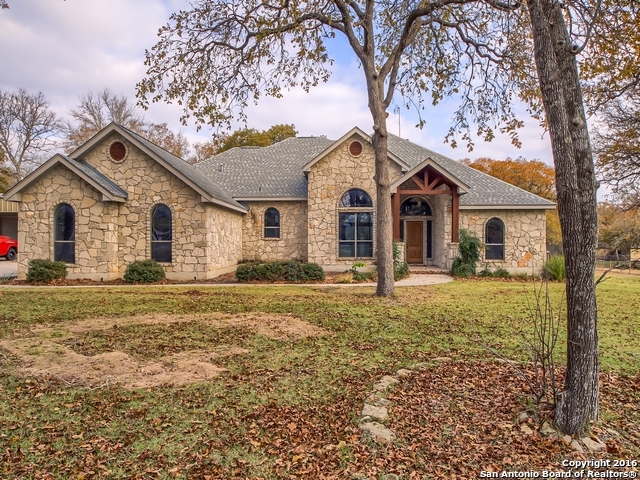109 Legacy Oaks La Vernia, TX 78121-4776