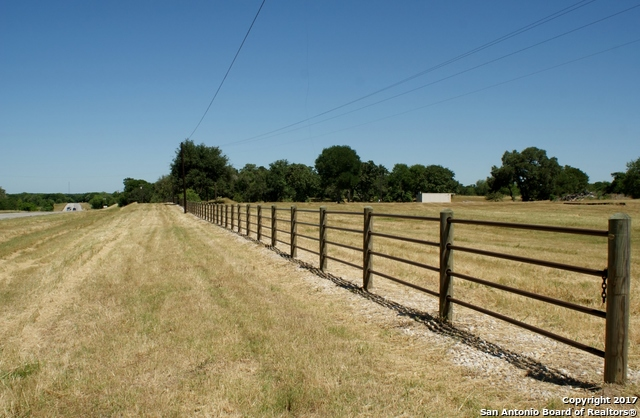 7101-n-us-highway-183-gonzales-tx-78629