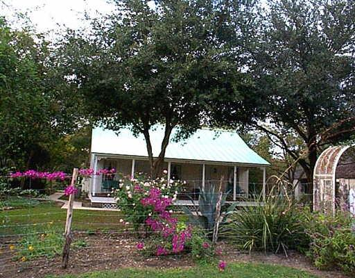 513-washington-castroville-78009