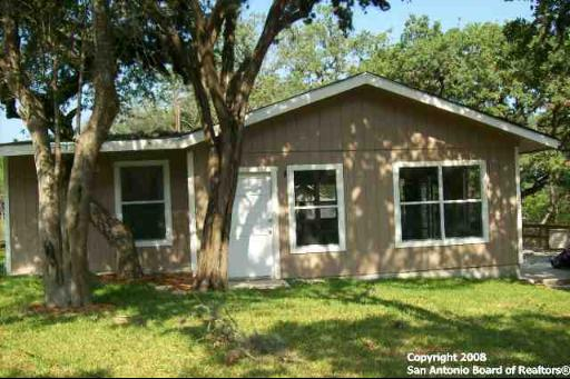 540-county-road-262-mico-tx-78056