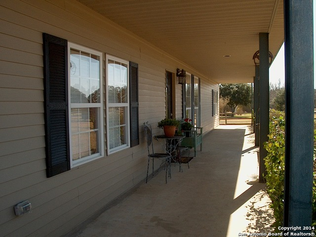 1020-country-rd-blanco-tx-78606